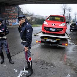 Civate, inseguimento in auto e a piedi  Arrestato un giovane straniero