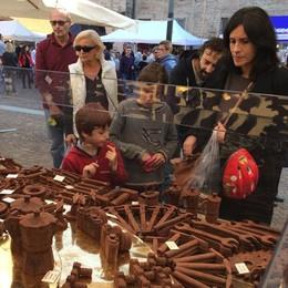 Cioccolato superstar a Merate  In migliaia per peccare di gola