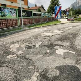 """Sorpresa: la """"app"""" promuove l'asfalto  «Solo dodici situazioni davvero gravi»"""
