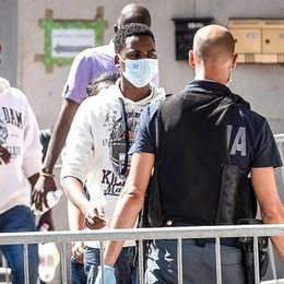 """Migranti, l'odissea Como-Taranto I costi del """"gioco dell'oca"""""""