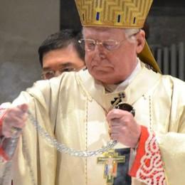 L'arcivescovo compie 75 anni  Un'email per fargli gli auguri