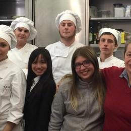 Gli studenti del Romagnosi  chef alla mensa del povero