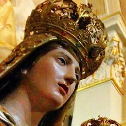 Lecco, statua a rischio  Basta processioni  con la Madonna