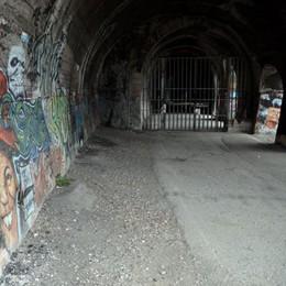 Una galleria d'arte nel tunnel chiuso  Moregallo sogna una seconda vita