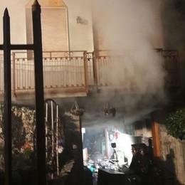 Taverna in fiamme, ingenti danni  Sfollata la famiglia a Calolzio