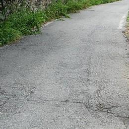 Strada della Valvarrone ancora vietata  «E non c'è nemmeno la segnaletica»