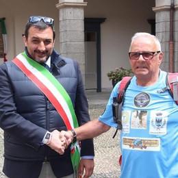 Da Aosta a Palermo a piedi. A 83 anni