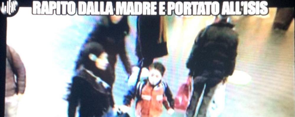 Valbona e il figlio in fuga verso l'Isis  Le Iene hanno trasmesso un filmato