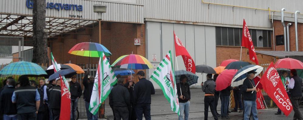 Valmadrera. Husqvarna Lavoratori in sciopero