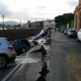 Si apre voragine su Lungarno a Firenze