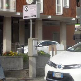 Blitz parcheggi a Erba  Gli aumenti già in vigore