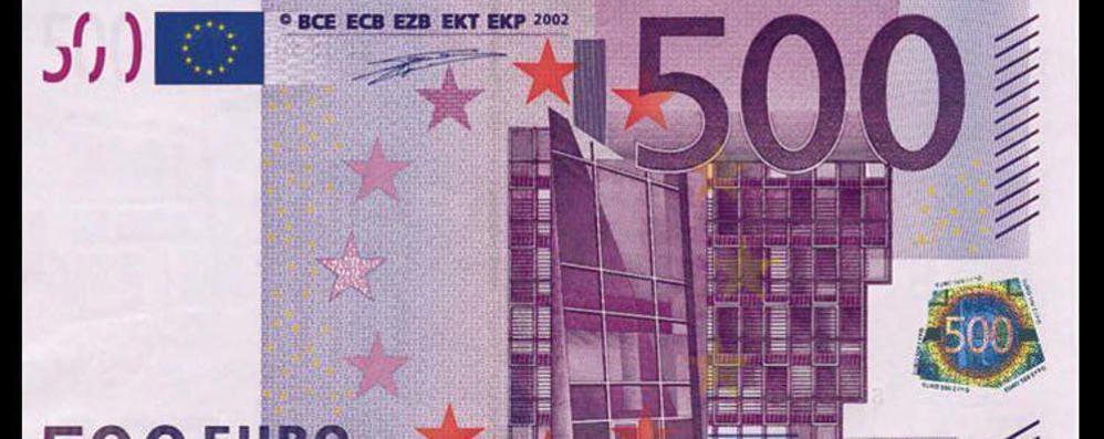 addio alla banconota da 500 euro mossa antiriciclaggio della bce cronaca como. Black Bedroom Furniture Sets. Home Design Ideas