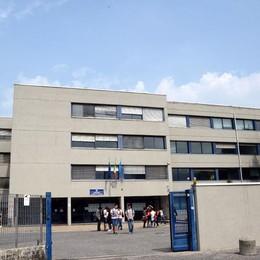 Rivolta contro la classe tolta ai Geometri  L'assessore Ornaghi: «Schiaffo europeo»