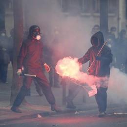 Parigi: ministro lancia appello a calma