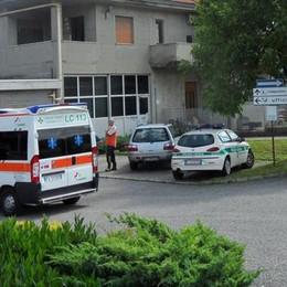 Operaio colpito da scarica elettrica  in azienda di Garbagnate  Profonde ustioni agli arti, è grave