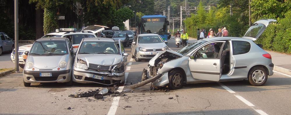 Incidente a Inverigo Tre feriti, ma non gravi