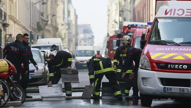 Francia: incendio a Parigi, 5 morti