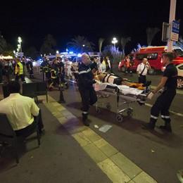 Nizza: Cazeneuve, almeno 80 i morti