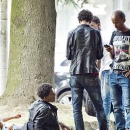 Migranti, Como è sola  a gestire l'emergenza