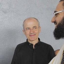 Lecco. La festa per la fine del Ramadan   Il parroco di Chiuso tra gli invitati