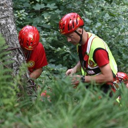 Batte la schiena facendo canyoning, soccorsa in Val Bodengo