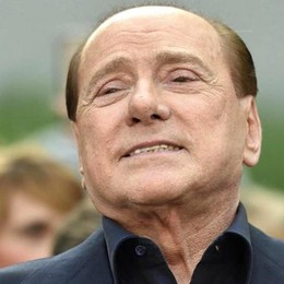 Berlusconi divorato  dalla sua rivoluzione
