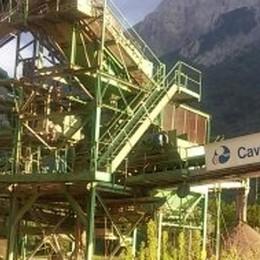 L'ultimatum alla cava di Cortabbio  «Due mesi per smantellare l'impianto»