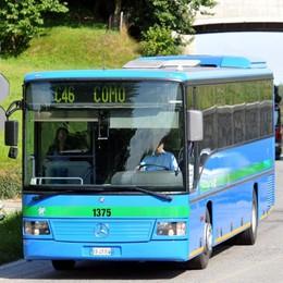 Cerca di sedare diverbio tra passeggeri L'autista del bus finisce all'ospedale