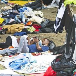 Il Viminale su Como  «Migranti obbligati  a usare i container»