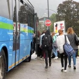 Erba, l'autobus non aspetta  Uscita anticipata per 80 studenti