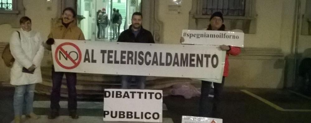 No al teleriscaldamento  A Merate flash mob