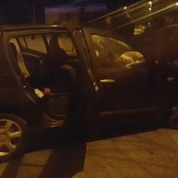 Molteno: in fuga dai carabinieri   finiscono con l'auto contro un muro