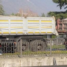 Erba, ponte promosso, ma con riserva  Stop ai camion pesanti sul Lambro