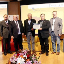 Premio Manzoni     La giuria popolare incorona Baldini