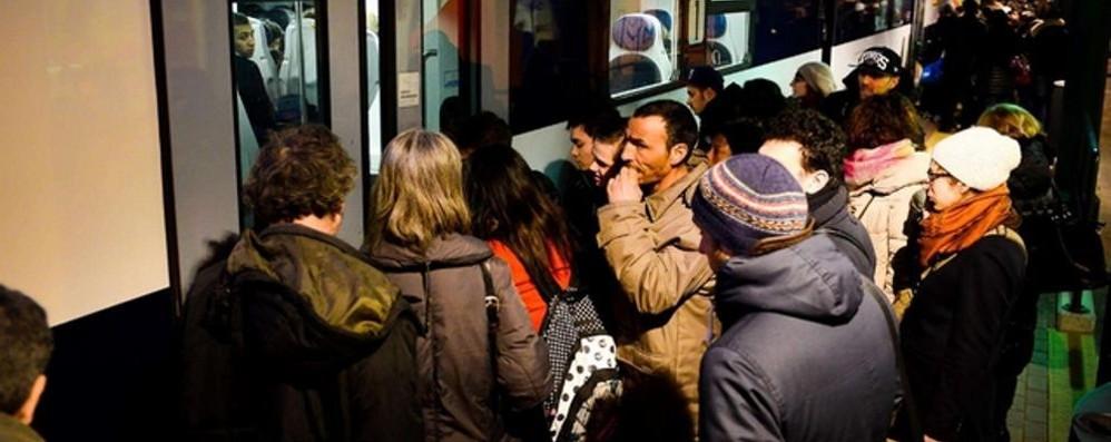 Treno guasto tra Airuno e Calolzio  Rientro da Milano da incubo
