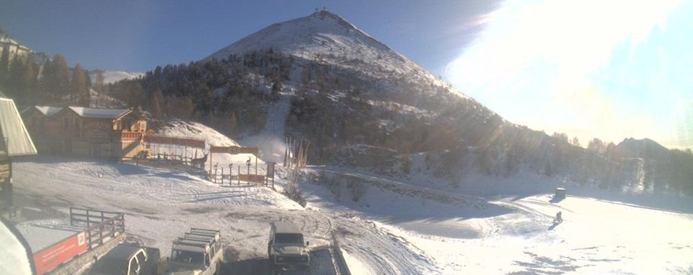 La stagione dello sci apre in anticipo prime discese a for Piani di costruzione di storage rv