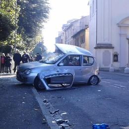 Tragico incidente a Carugo Morta una donna, grave la cugina