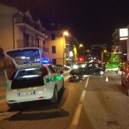 Violento scontro tra uno scooter e auto  Paura a Calolzio per un sedicenne