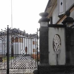 Dieci profughi a villa Schubert  Ello, polemiche in Consiglio