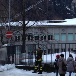 Voragine nel tetto, scuola inagibile a Chiavenna