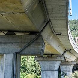 «Costruito male»  La relazione choc  sui guai del viadotto