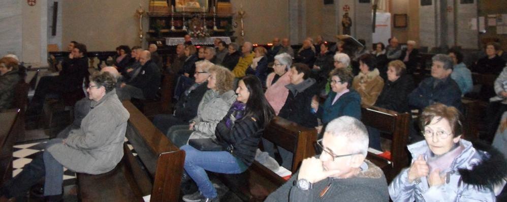 Don Gianni chiede 500 euro a famiglia  «Due caffè al giorno e la chiesa si salva»