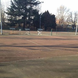 Nessuno vuole i campi da tennis  Diventeranno un parco giochi