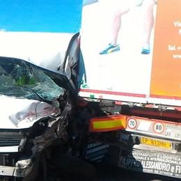 Cernusco scontro tra Tir e un furgone  Viabilità impazzita per due ore