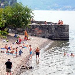 Bagni vietati sulla riva di Olcio  Colpa di un guasto alla fogna