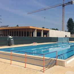 """La piscina scoperta anticipa la stagione  E diventa un """"tempio"""" del benessere"""