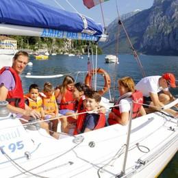 Il Lario tra vele e musica  Al lago vince la semplicità