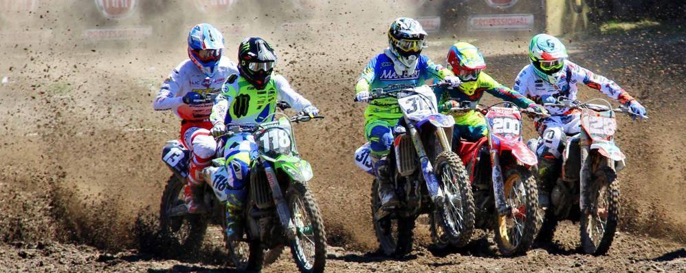 Motocross, il rombo entra nelle case  E la protesta in Consiglio a Molteno