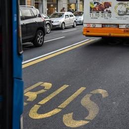 Sesso sul bus con la passeggera L'autista rischia la sospensione