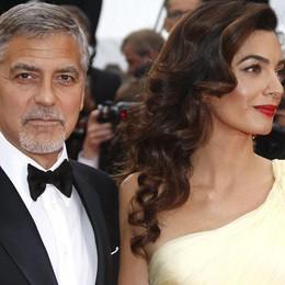 Fotografati a Laglio i bimbi di Clooney  L'ira dell'attore: «Violata la mia privacy»